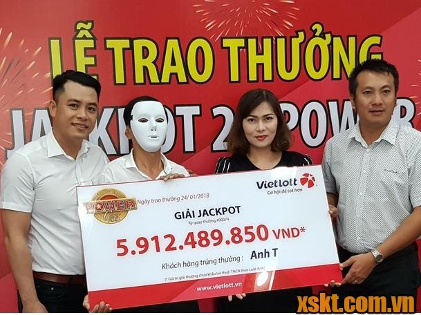 Hình ảnh anh T tại Vĩnh Long may mắn trúng độc đắc gần 6 tỷ đồng