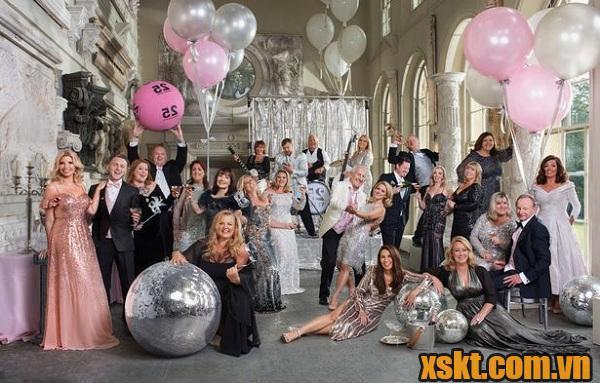 Bữa tiệc quy tụ 25 người trúng độc đắc triệu đô